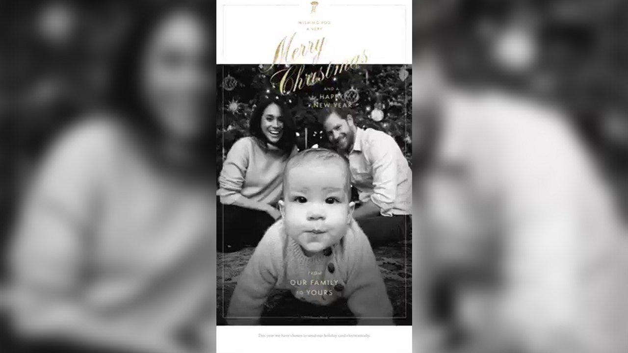 Ханхүү Харри Зул сарын баярын мэндчилгээндээ долоон сартай хүүгийнхээ зургийг оруулжээ