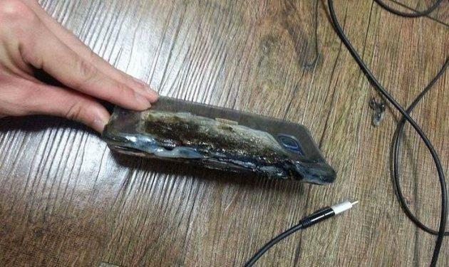 """СЭРЭМЖЛҮҮЛЭГ: """"Samsung grand"""" маркийн гар утас дэлбэрсэний улмаас гар нь тасарчээ"""