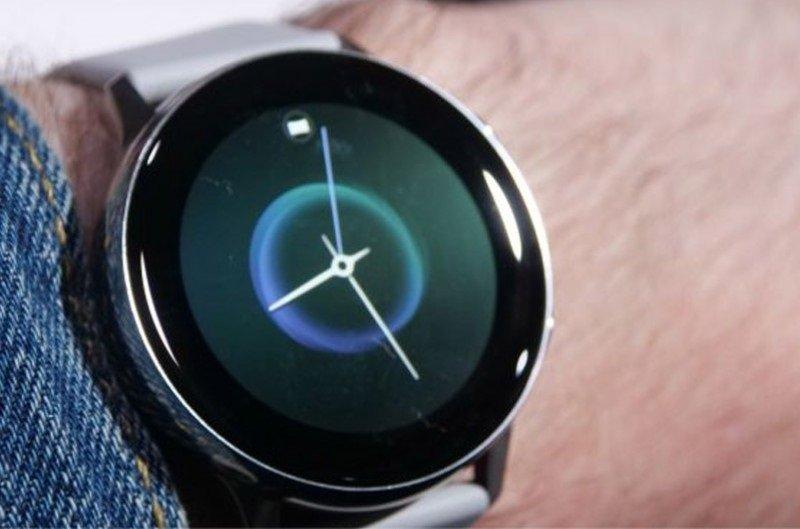 """Samsung компани """"Galaxy Watch Active"""" бугуйн ухаалаг цагаа танилцуулав"""