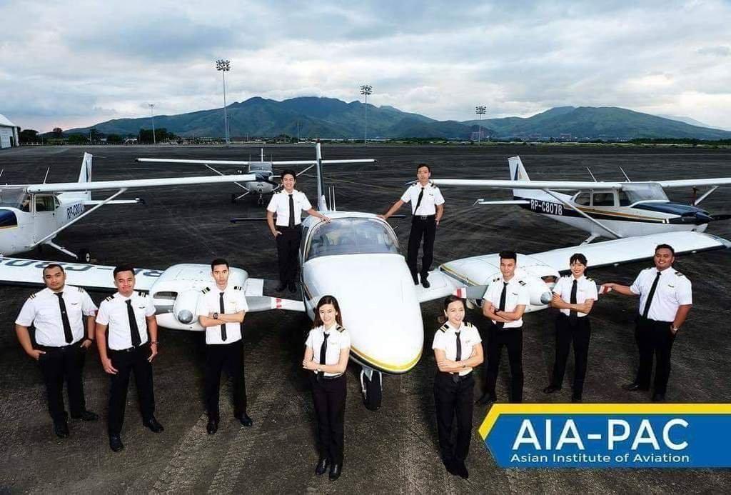 Онгоцны нисгэгч болох хүсэл мөрөөдөлтэй залуусын АНХААРАЛД