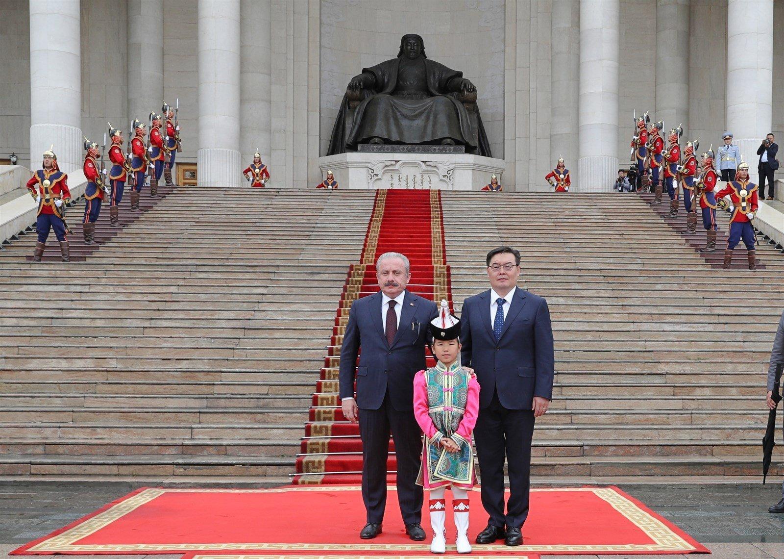 ФОТО МЭДЭЭ: Бүгд Найрамдах Турк Улсын Үндэсний Их Хурлын дарга Мустафа Шентоп Монгол Улсад айлчиллаа