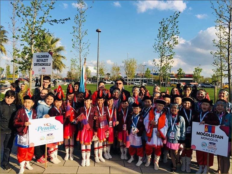 Чингэлтэй дүүргийн сурагчид Олон улсын хүүхдийн наадамд оролцлоо