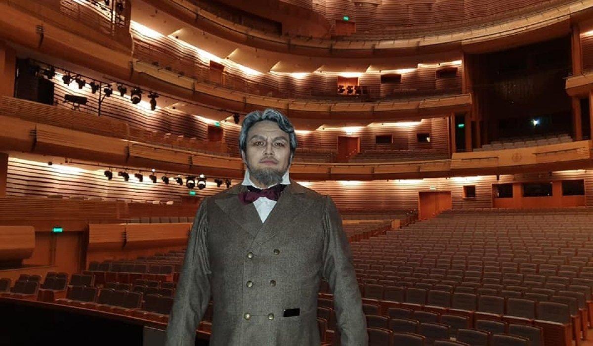 Ч.Бадрал Марийнскийн театрт урилгаар дуулжээ