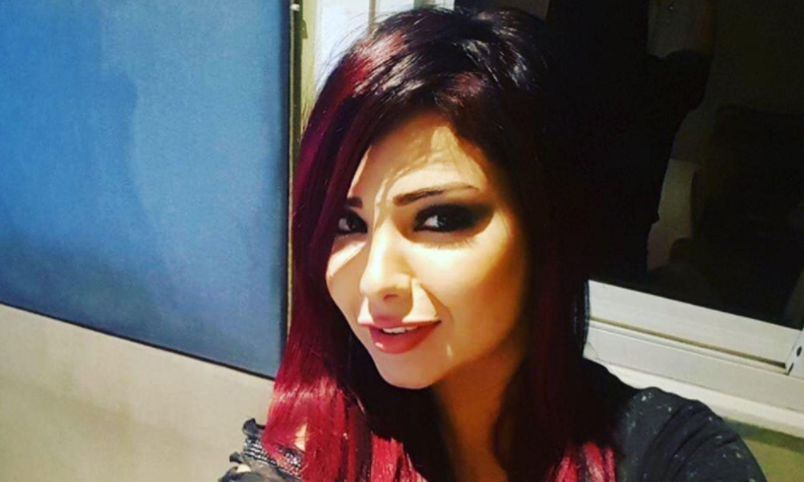 Египетийн поп дуучин бүсгүй хоёр жил хоригдох ял сонслоо
