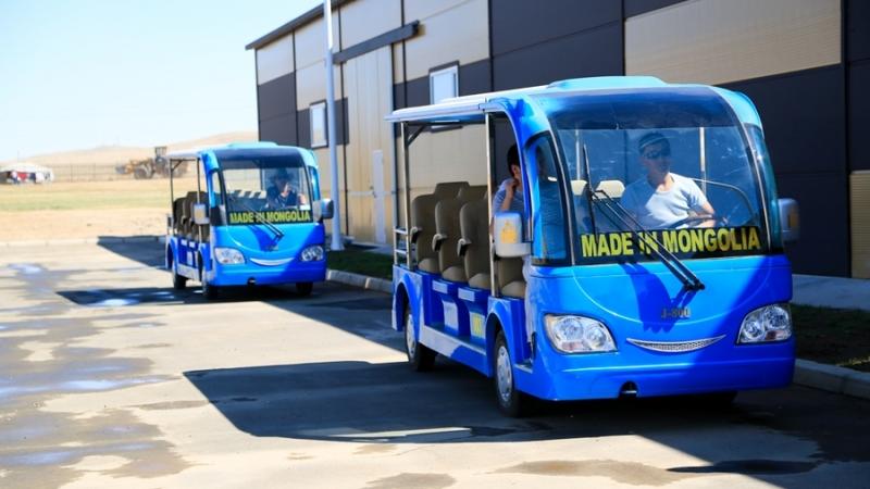 Өмнөговьчууд дотооддоо үйлдвэрлэсэн автобусаар зорчиж эхэллээ