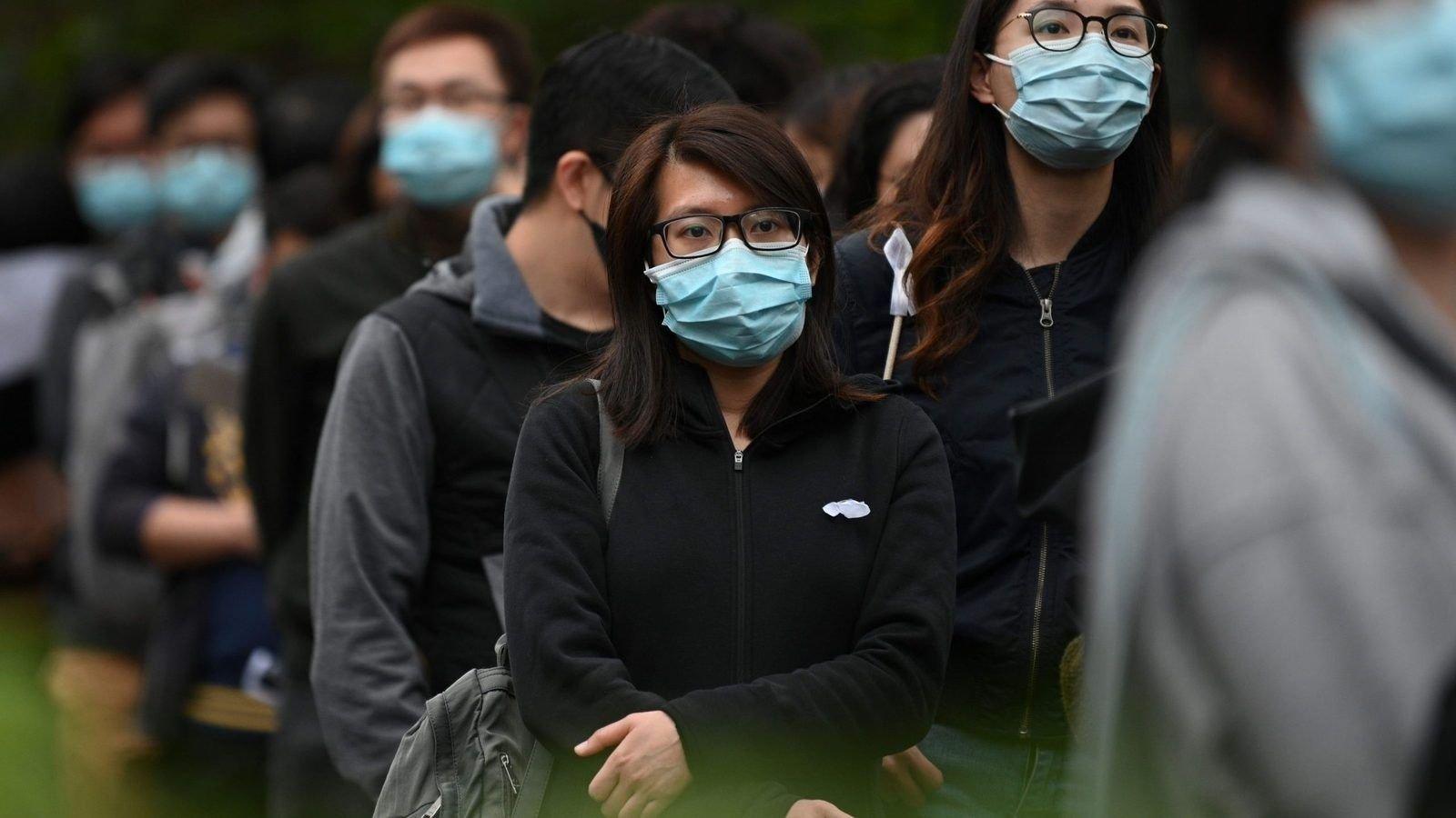 Хонг Конгийн захиргаа бүх иргэндээ тус бүр 1,200 ам.доллар тараана