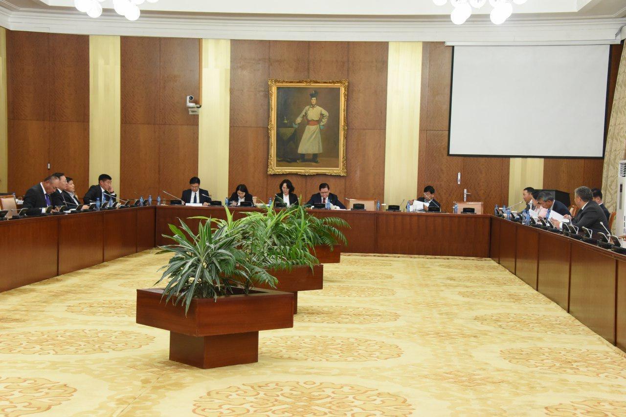 """Зөвхөн Ерөнхий сайд Улсын Их Хурлын гишүүн байна"""" гэсэн өөрчлөлт оруулахыг Ажлын хэсэг дэмжлээ"""