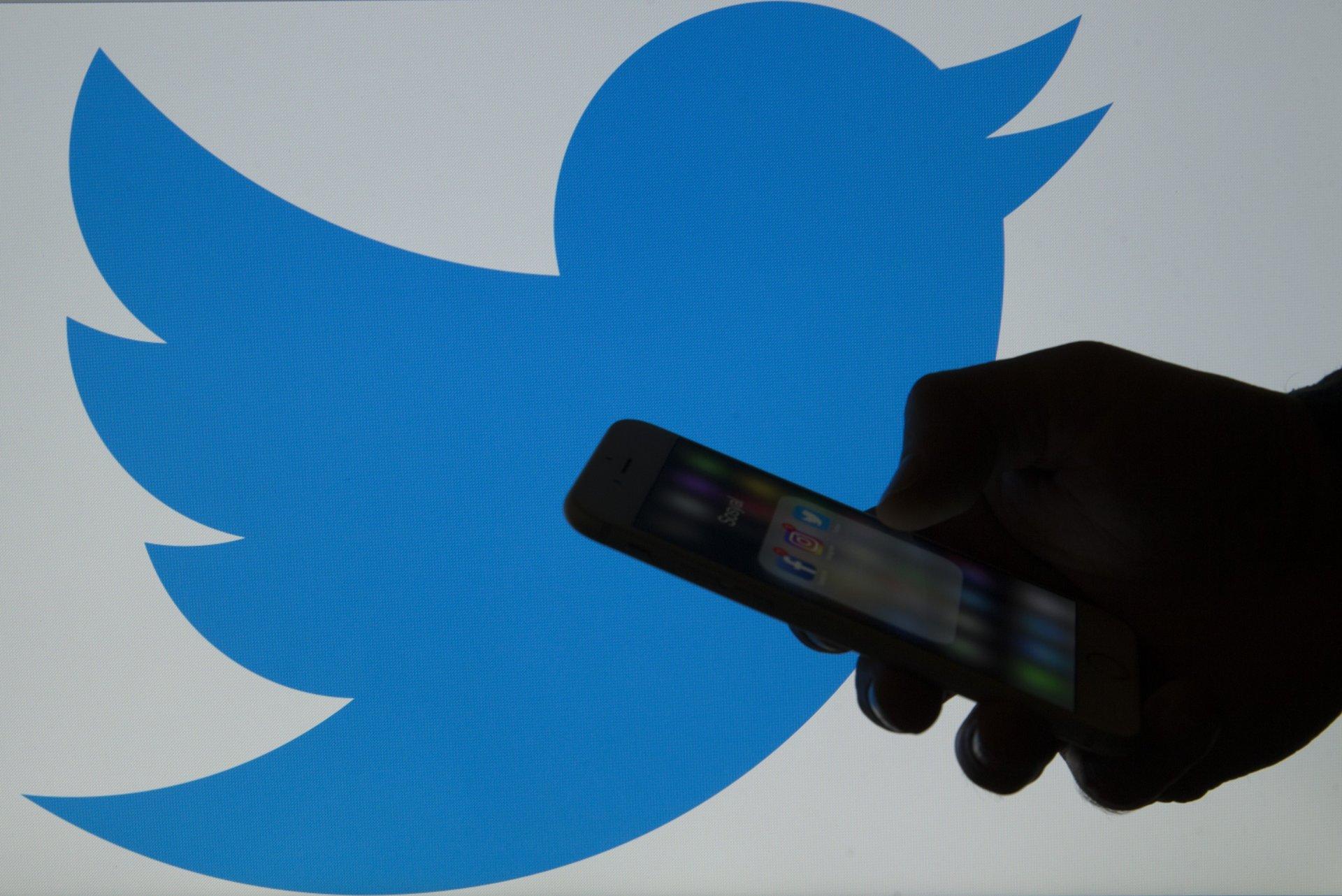 Twitter-т хариултаа нууцлах боломжтой боллоо