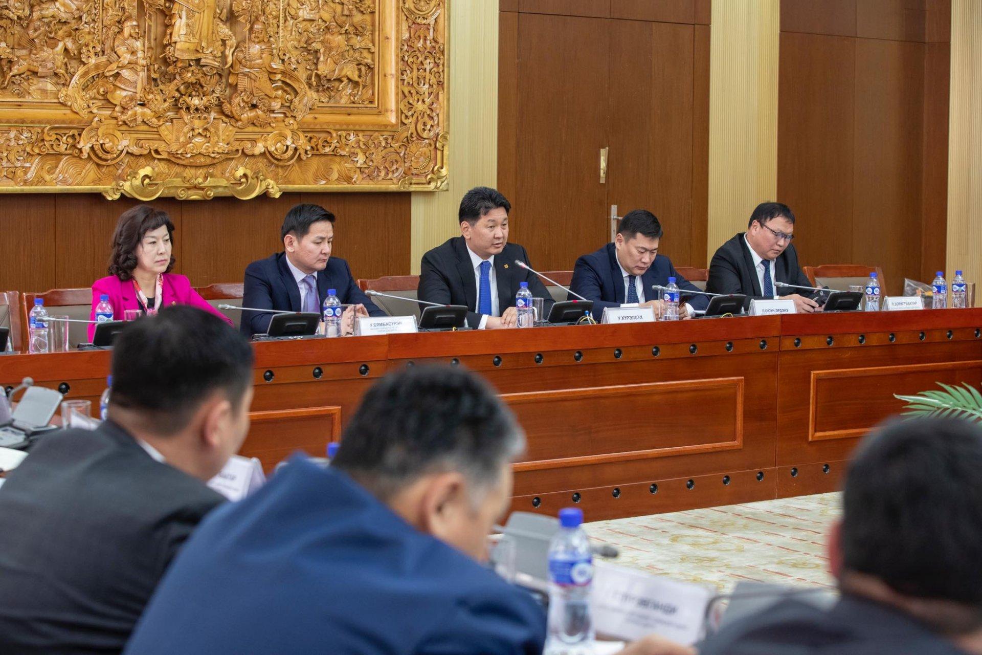 Монгол Улсын Ерөнхий сайд У.Хүрэлсүх: Төрийн тахилгат, ард түмний шүтээн
