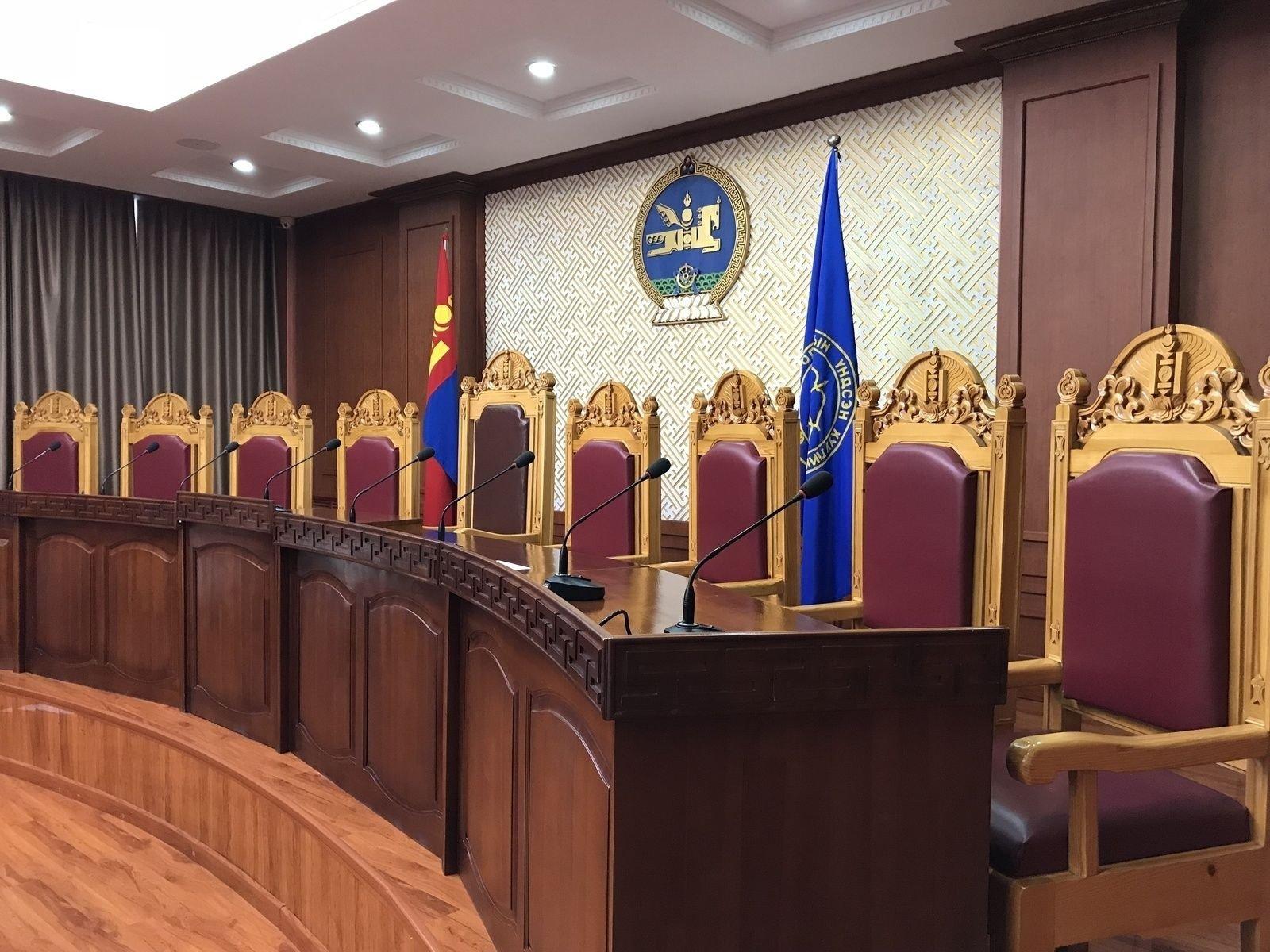 Үндсэн хуулийн цэцийн Их суудлын хуралдаан хойшиллоо