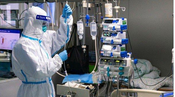 БНСУ-д сүмд залбирал үйлдсэн эмэгтэй 10 хүнд коронавирусийн халдвар тараажээ