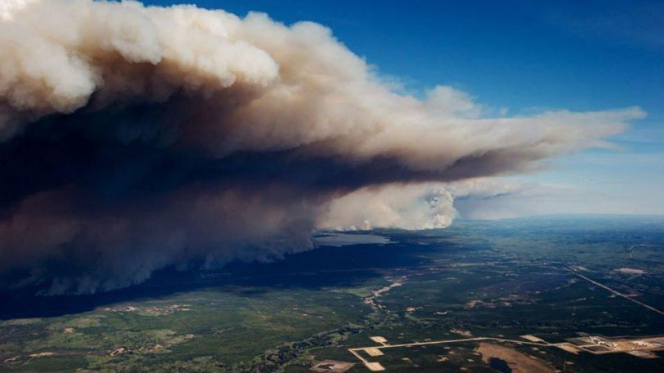 Сибирт гарсан түймрийн утаа нийслэлийг бүрхээд байна