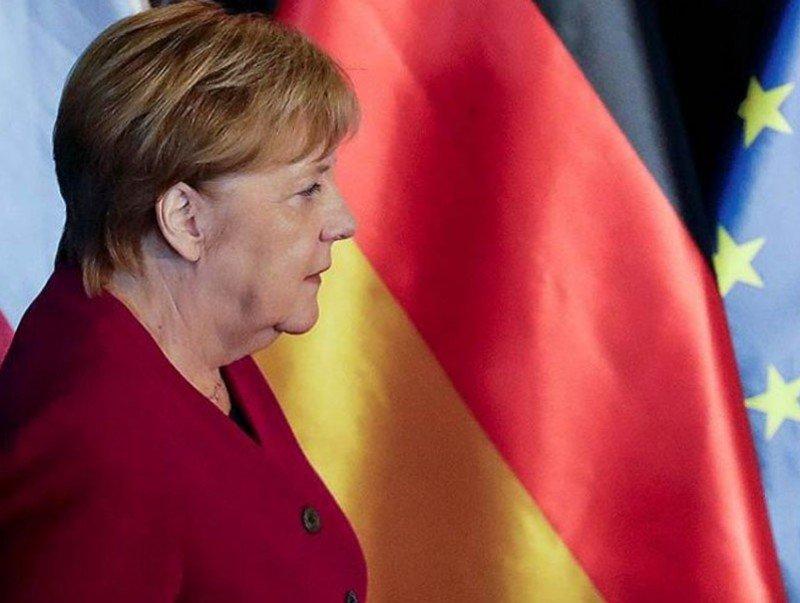 Forbes сэтгүүл дэлхийн хамгийн нөлөө бүхий эмэгтэйгээр Меркелийг нэрлэв