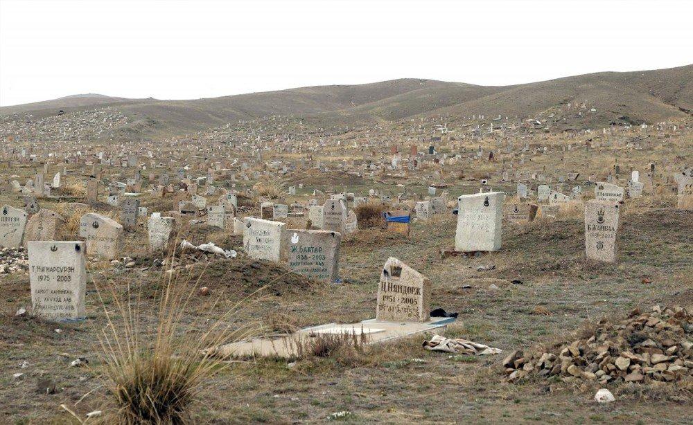 Нийслэлд 758 га талбайд оршуулгын газар байдгаас 57 га нь зөвшөөрөлгүй аж