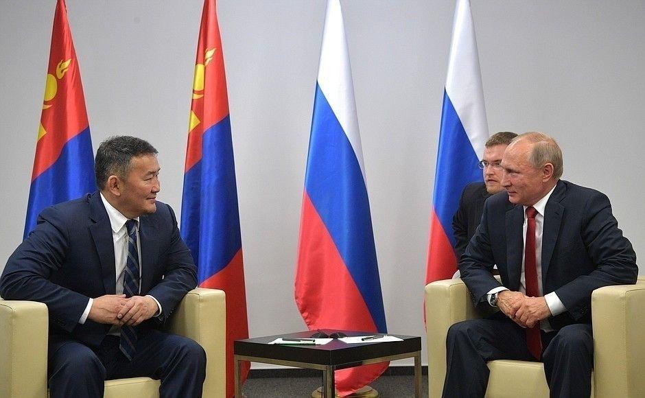 Ерөнхийлөгч Х.Баттулга, Ерөнхийлөгч В.В.Путин нар албан ёсны хэлэлцээ эхэллээ