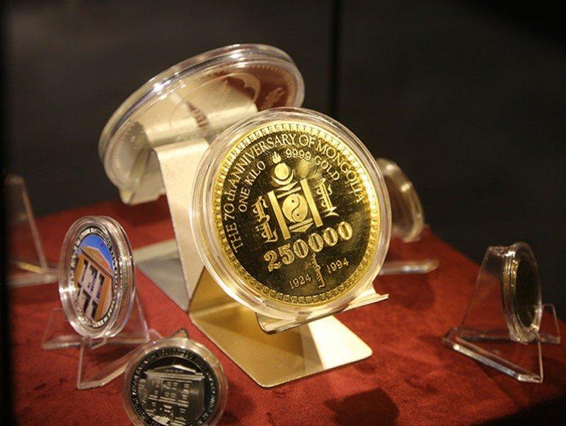 """Монголбанкны Эрдэнэсийн сангийн дэргэд """"Мөнгөн тэмдэгтийн танхим"""" нээгдлээ"""