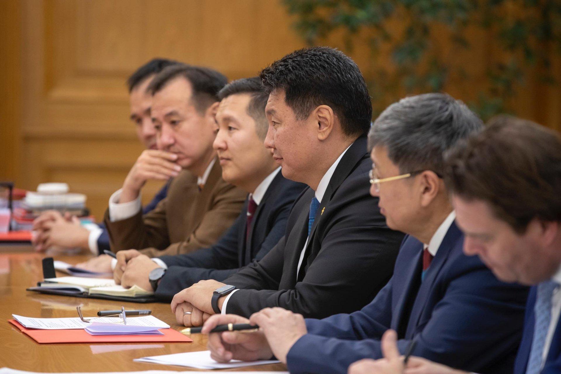 ЕСБХБ: Монгол Улсад оруулах хөрөнгө оруулалтаа хэвээр үргэлжлүүлнэ
