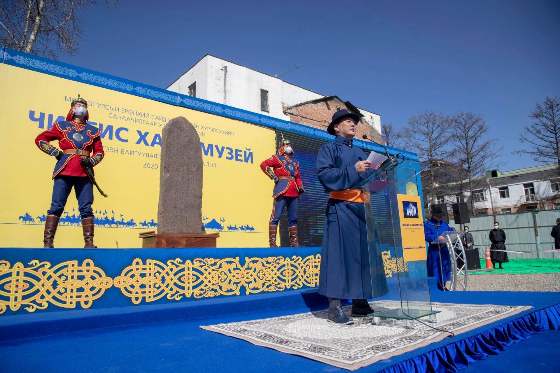 """""""Чингис хаан"""" музейн барилгыг барьж эхэллээ"""
