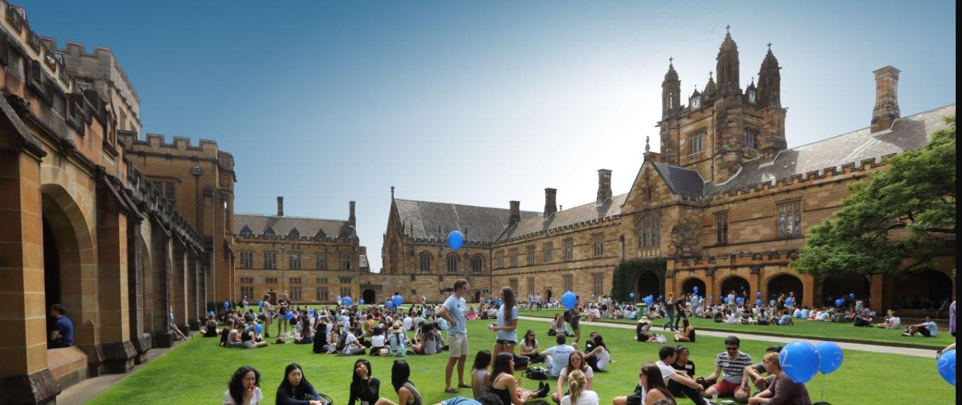 Австрали улсад суралцахад сургалтын төлбөр хэд байдаг вэ?