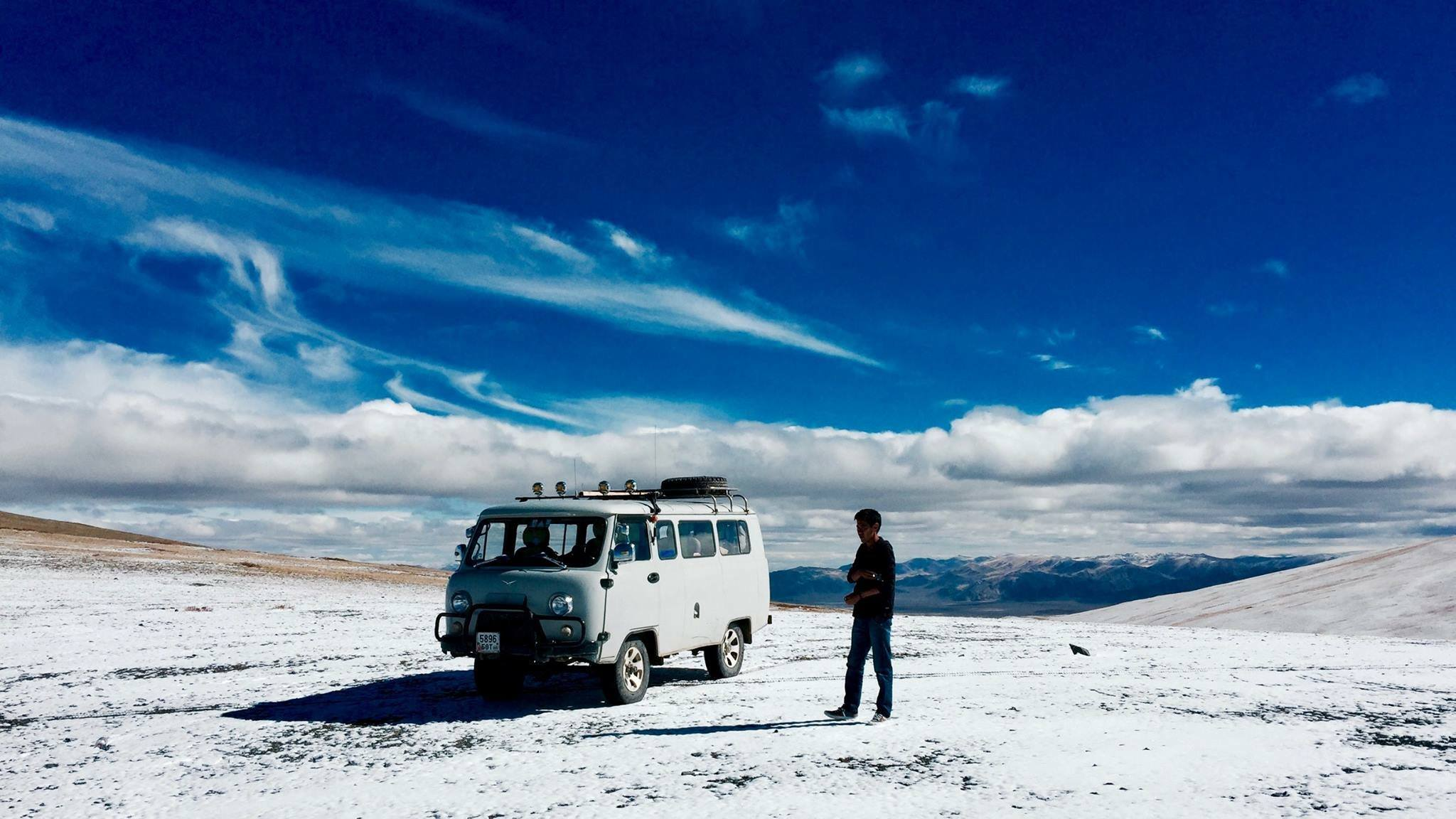 UAZ 4X4  JEEP: The Off-road beast to travel in Mongolia