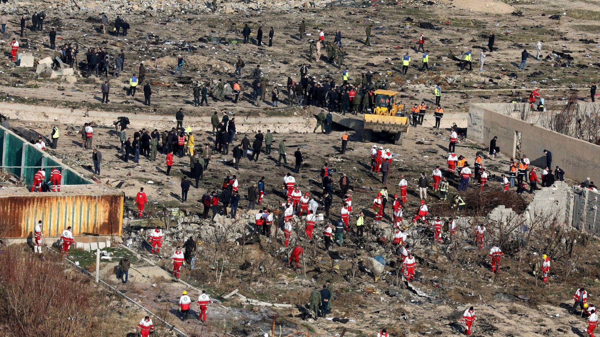 Иран улсын харвасан пуужин Украины онгоцыг унагаасан байж болзошгүй хэмээн таамаглаж байна
