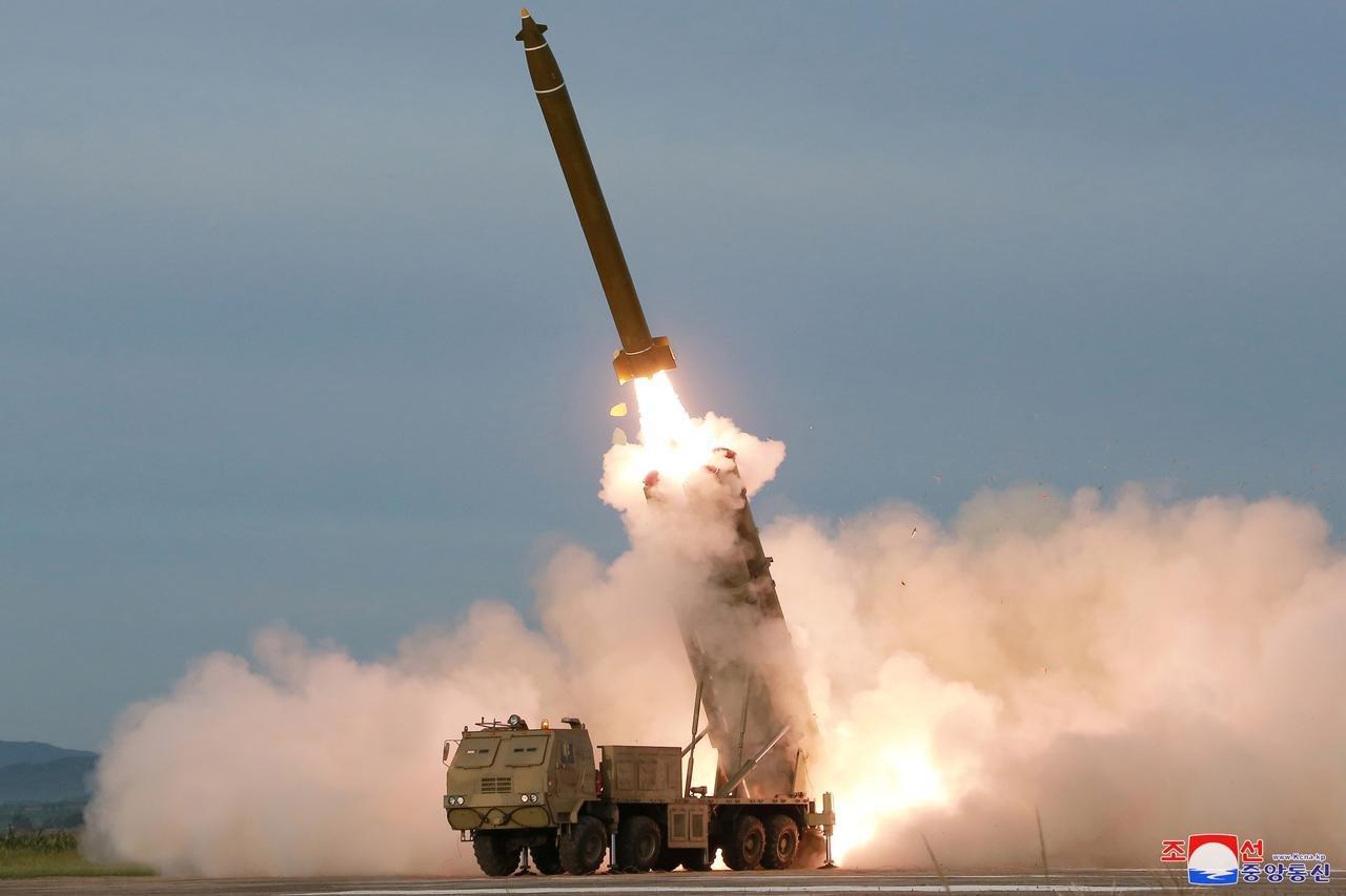 Умард Солонгос Япон руу баллистик пуужин харвана гэж сүрдүүлэв