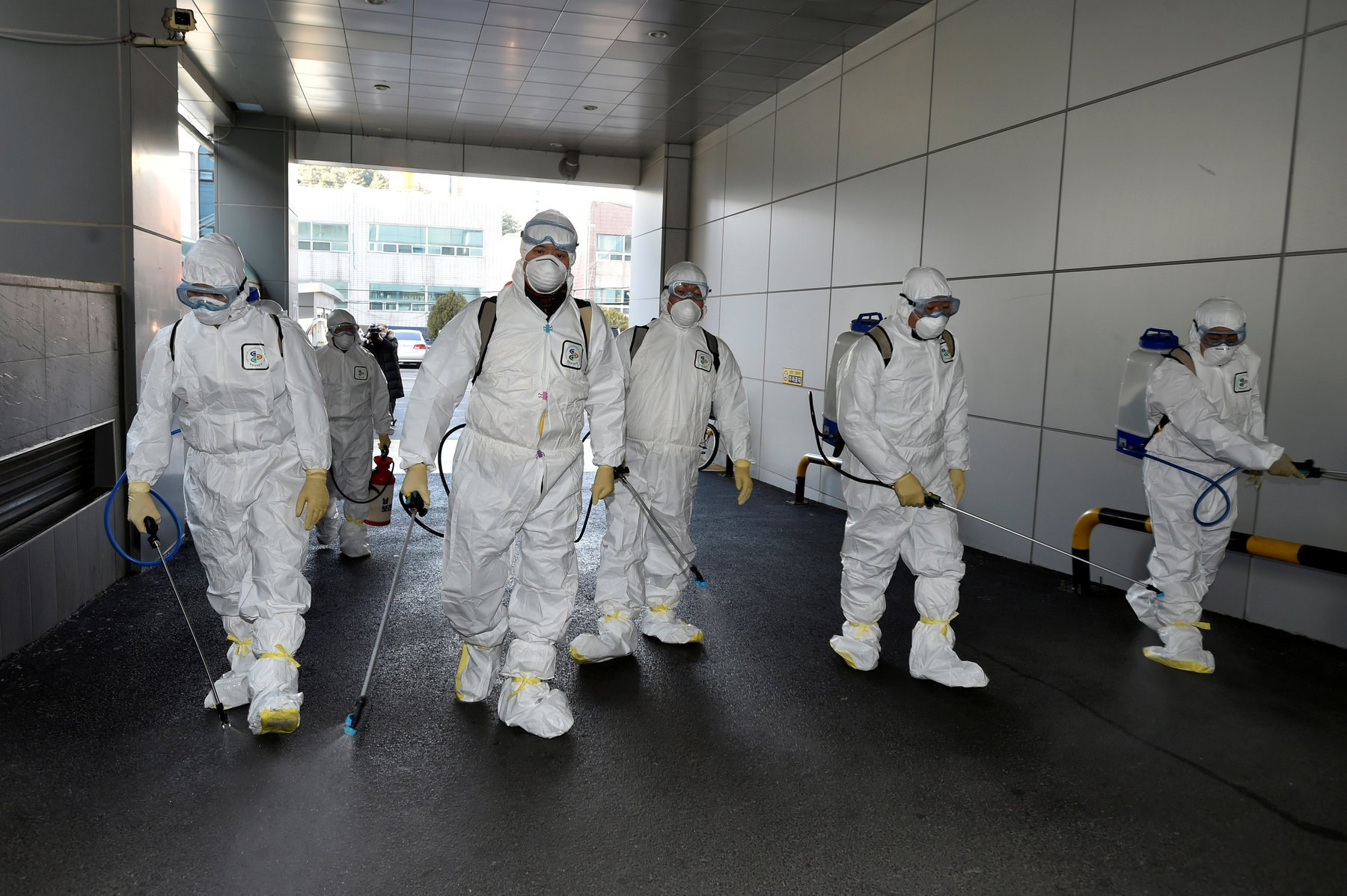 БНХАУ-д шинэ коронавирусийн халдварын тархалт буурсан ч бусад улс орнуудад нэмэгджээ