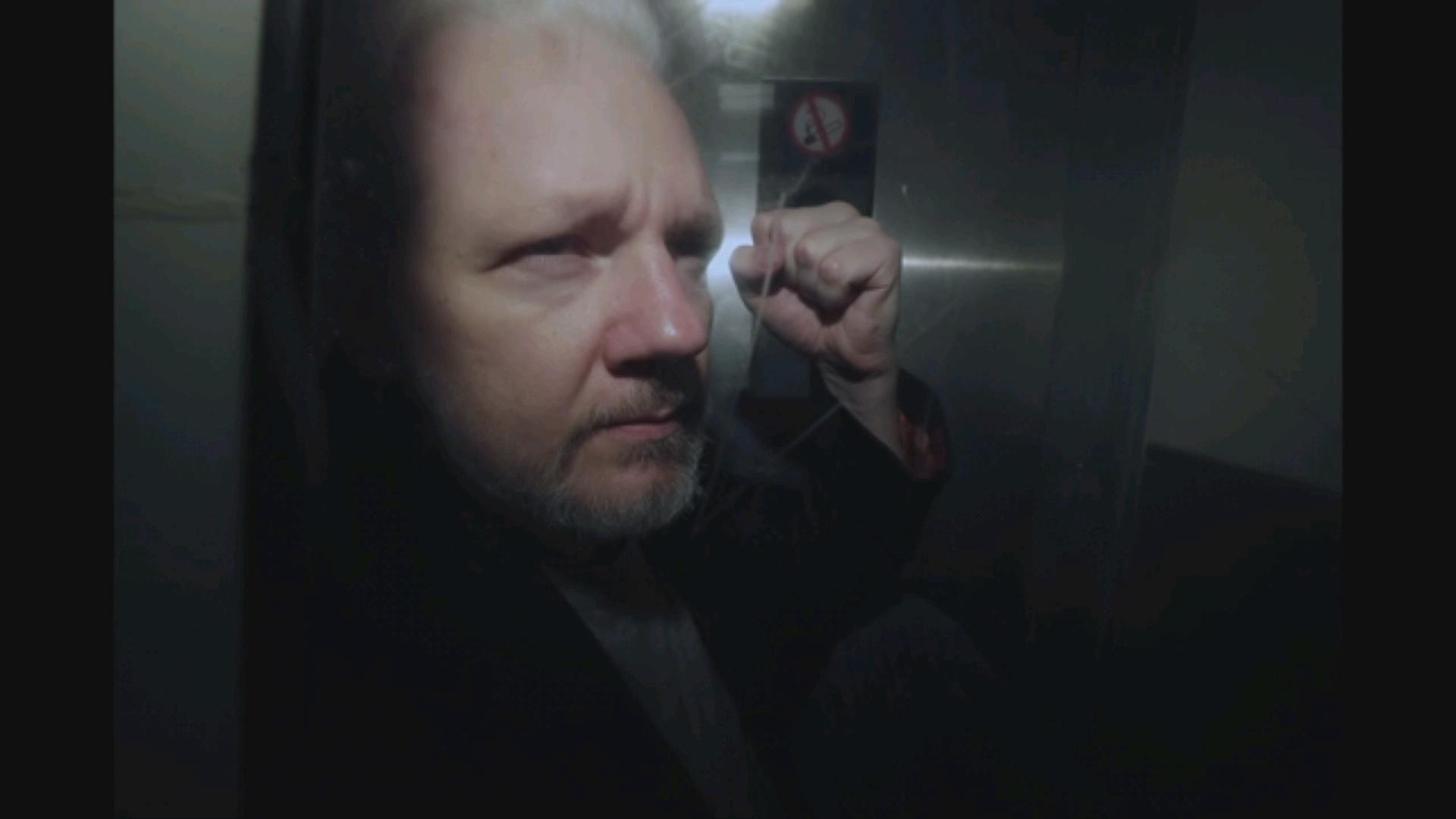 Жулиан Ассанжид холбогдох бэлгийн хүчирхийллийн хэргийг Швед улсын прокурорын газраас эргэн сэргээхээр болсноомэдэгдлээ