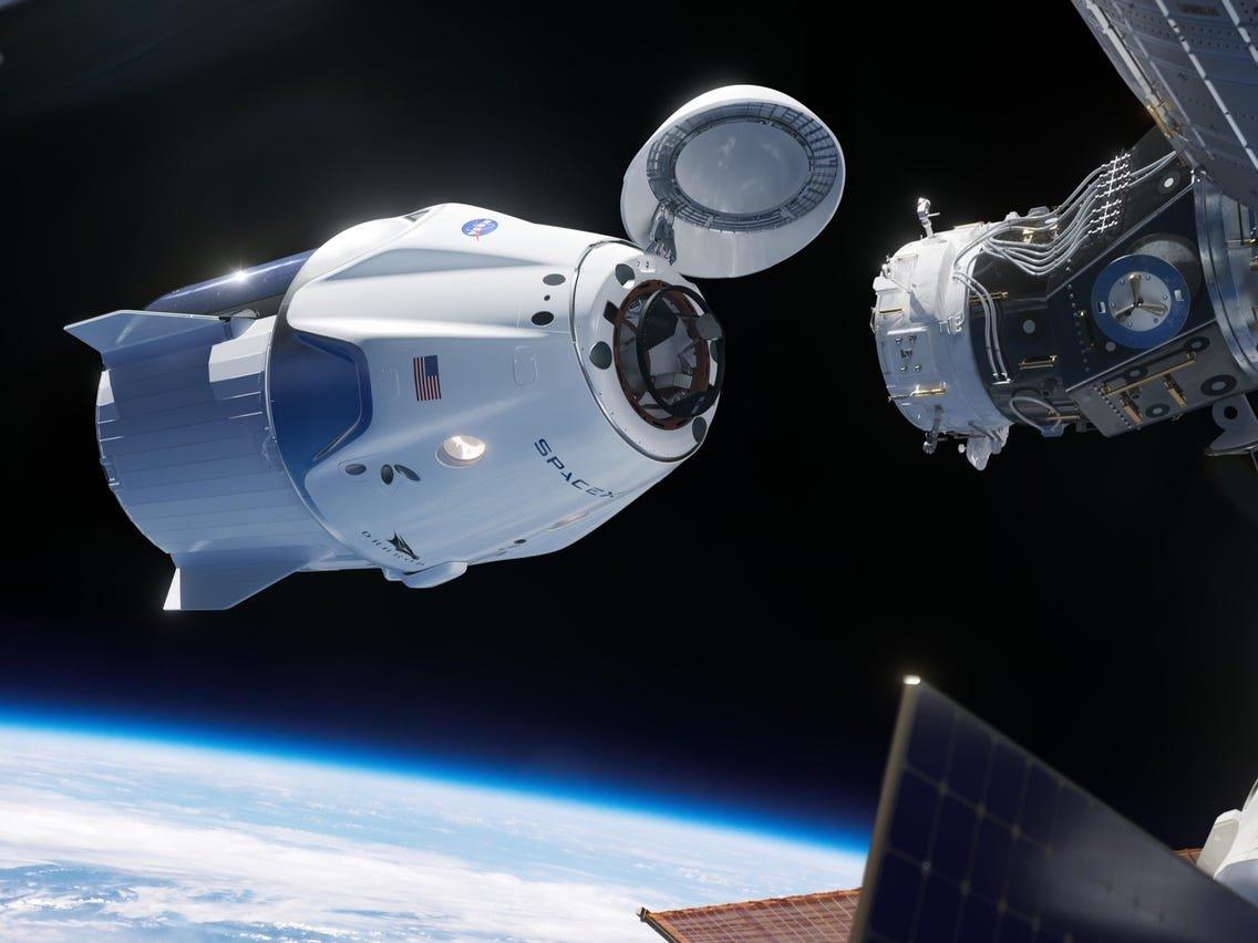 Олон улсын сансрын станцаас дөрвөн сансрын нисгэгч эх дэлхийдээ эргэн иржээ