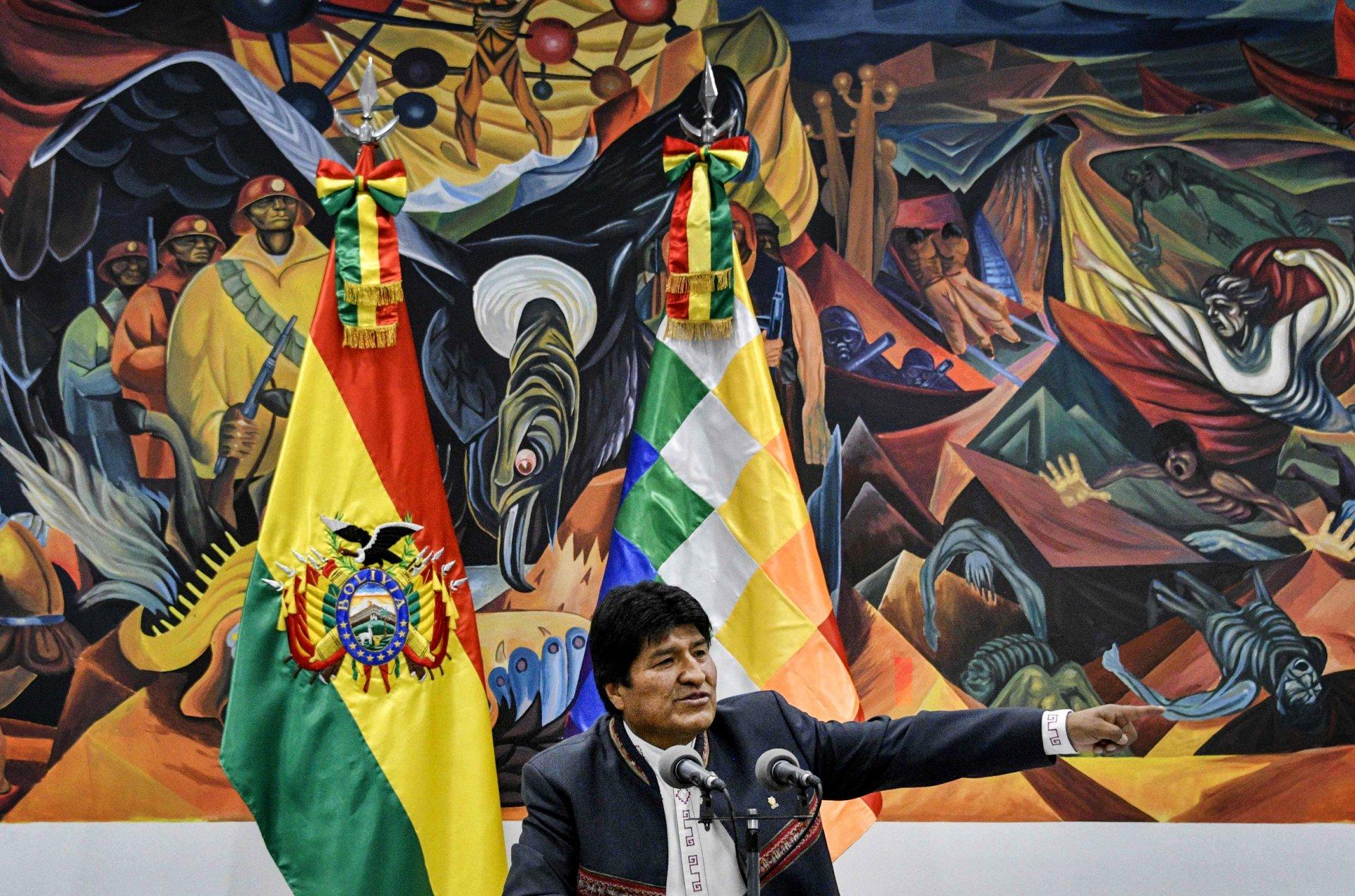 Боливи улсын ерөнхийлөгч асан Эво Моралест Мексик улс орогнол олголоо