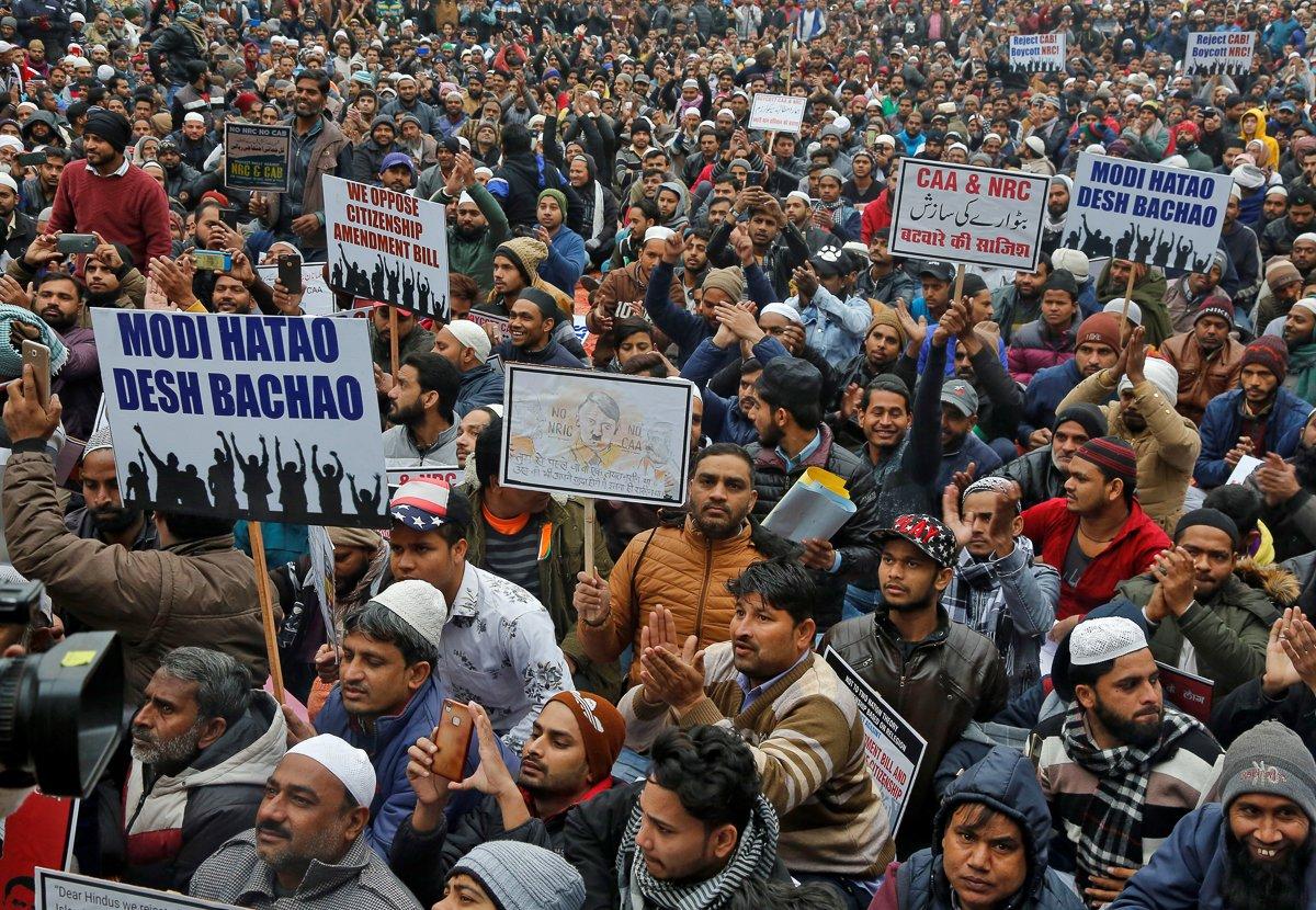 Энэтхэг улсад шашны мөргөлдөөний улмаас 32 хүн амь үрэгджээ