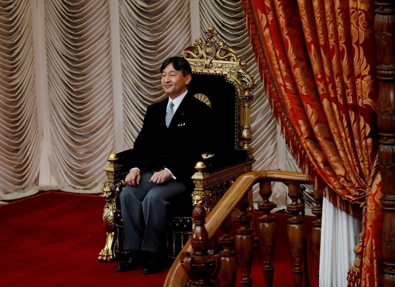 Японд нүүрлэсэн байгалийн гамшгийн улмаас эзэн хааныг сэнтийд залах ёслол хойшлогдлоо