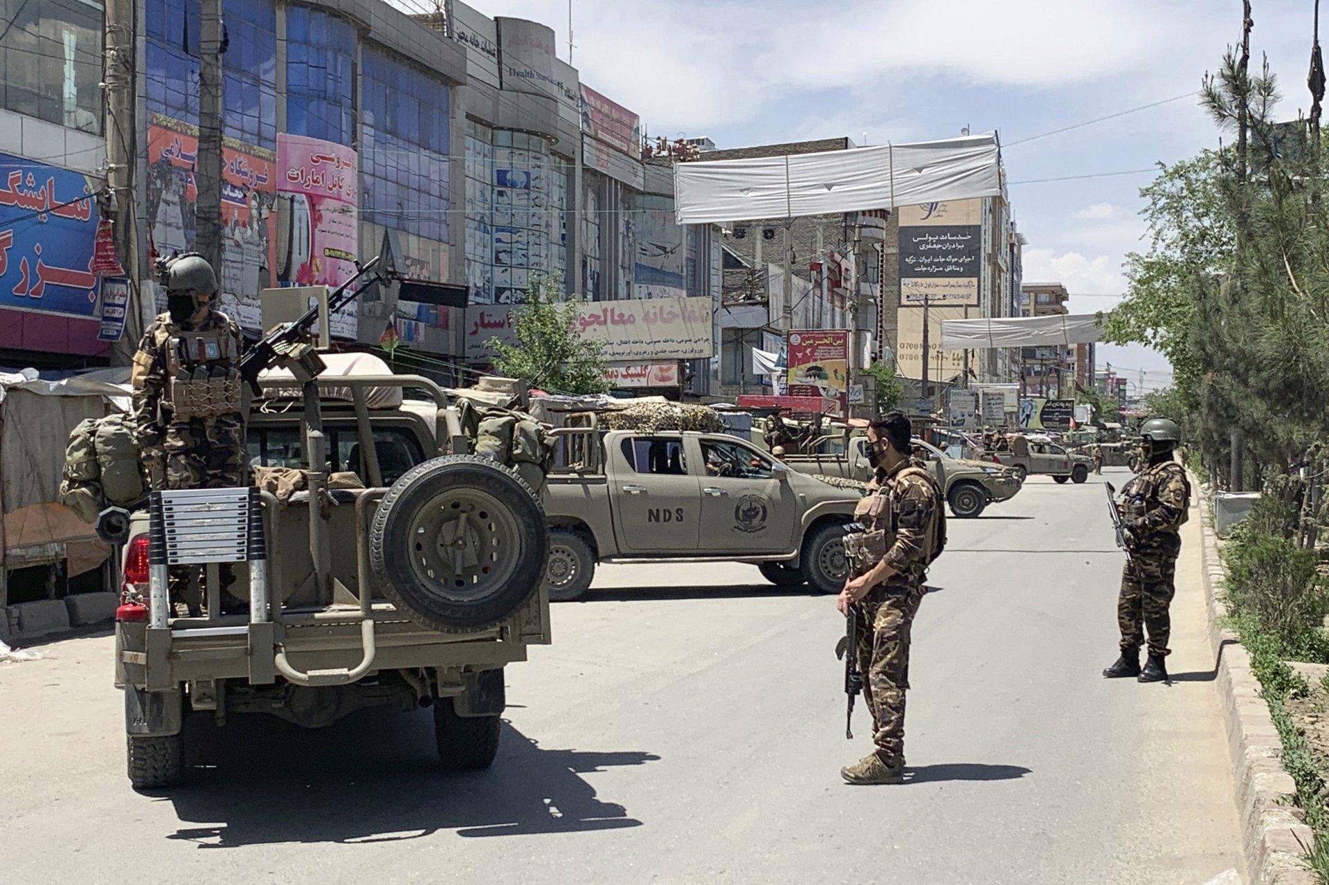 Афганистаны нийслэл Кабул хотын амаржих газарт халдлага гарчээ
