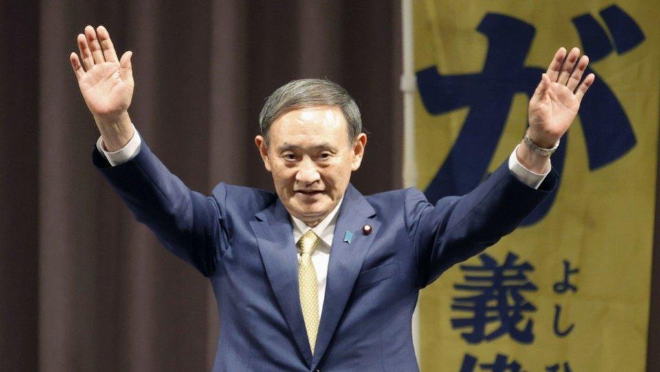 Японы эрх баригч намын даргаар сайд нарын танхимын дарга Сүга Ёшихидэ сонгогдлоо