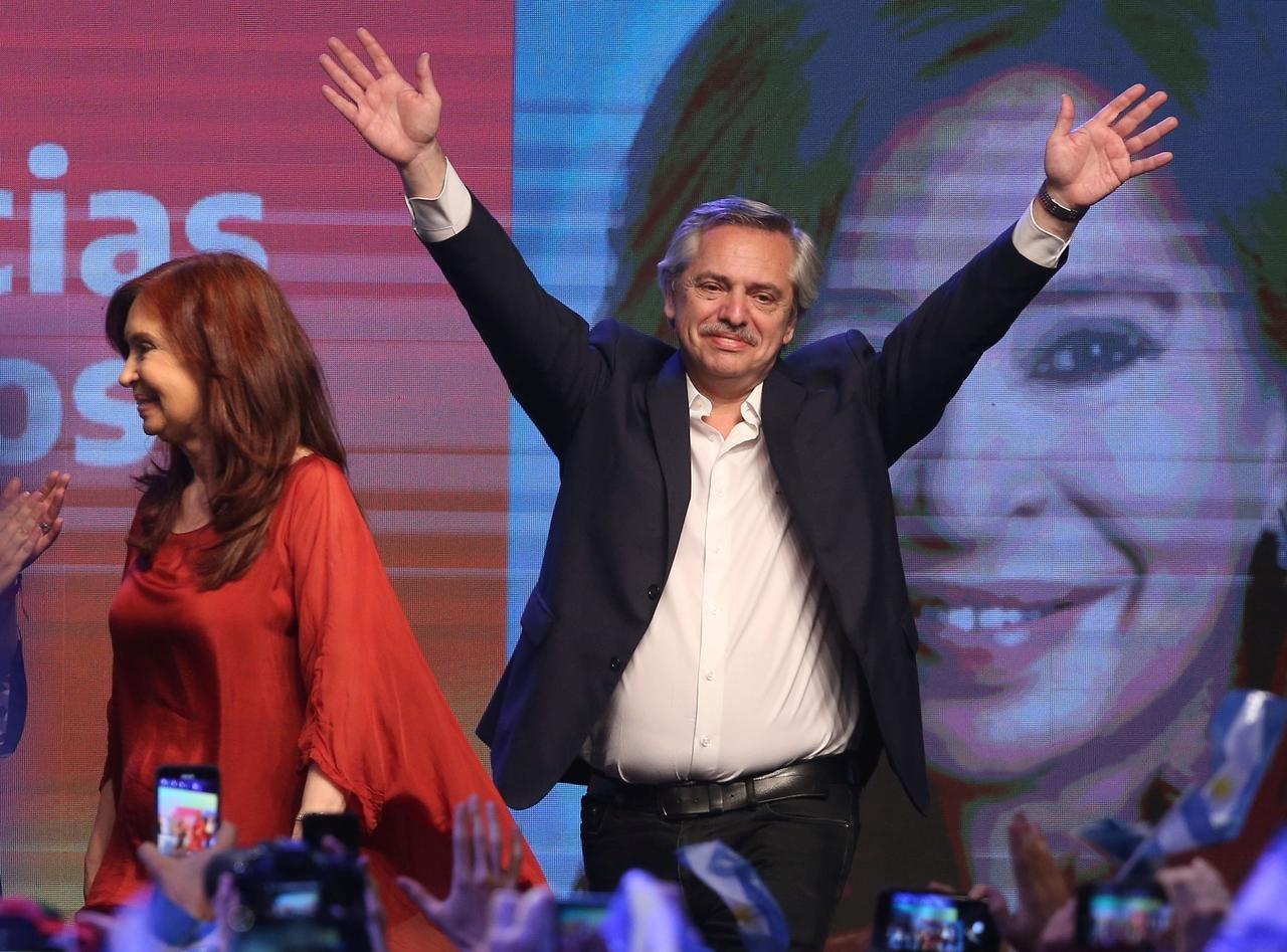 Аргентин улсын ерөнхийлөгчийн сонгуульд сөрөг хүчний удирдагч ялалт байгууллаа