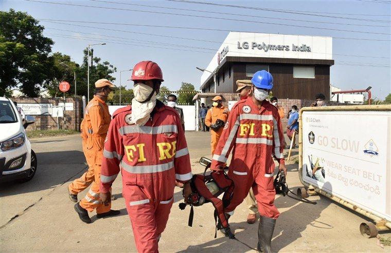 Энэтхэгт Химийн үйлдвэрт хий алдагдсаны улмаас 800 гаруй хүн хорджээ