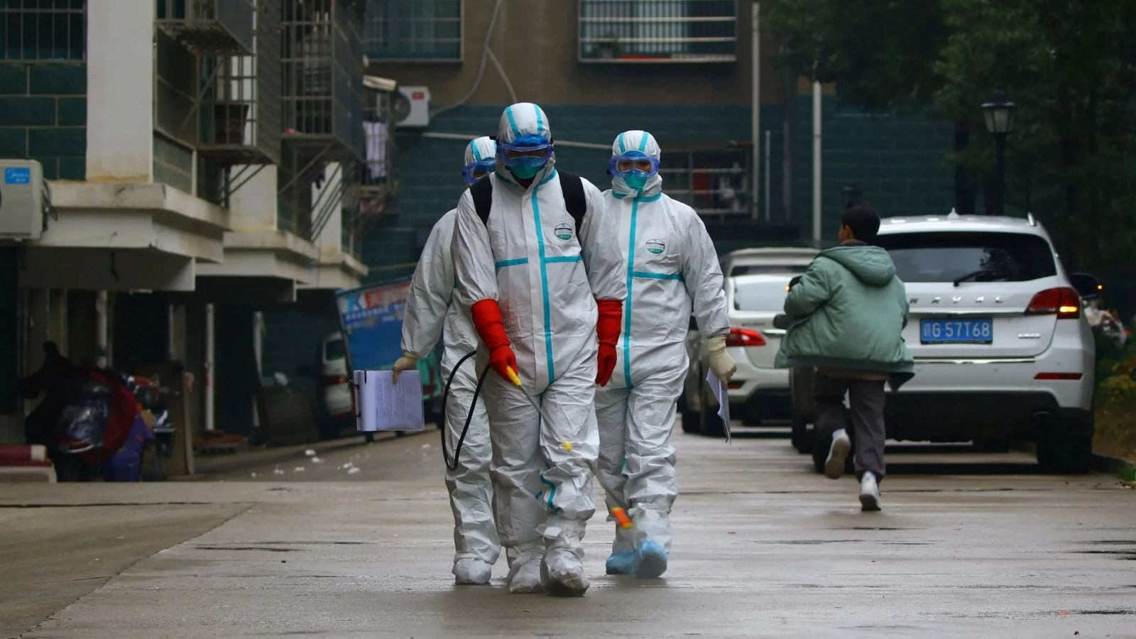 Шинэ коронавирусийн халдварын улмаас нас барсан хүний тоо 2000 даваад байна