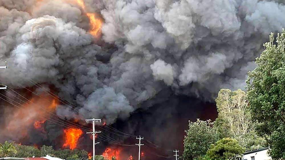Ой хээрийн түймрийн улмаас Австралийн хоёр мужид гамшгийн онц байдал зарлалаа