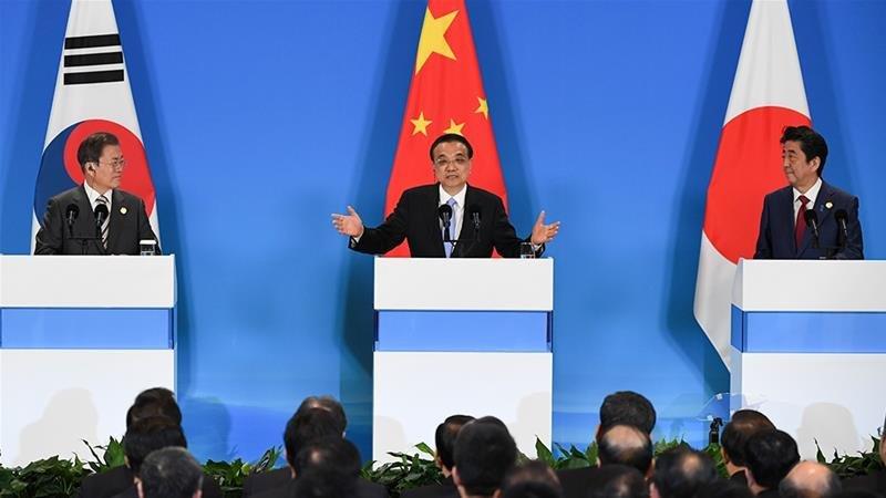 Япон, өмнөд солонгос, хятад улсын тэргүүн нар гурван талт уулзалт хийлээ
