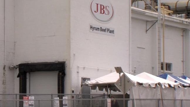 """Дэлхийн хамгийн том мах боловсруулах үйлдвэрийн """"JBS"""" компани цахим халдлагад өртжээ"""