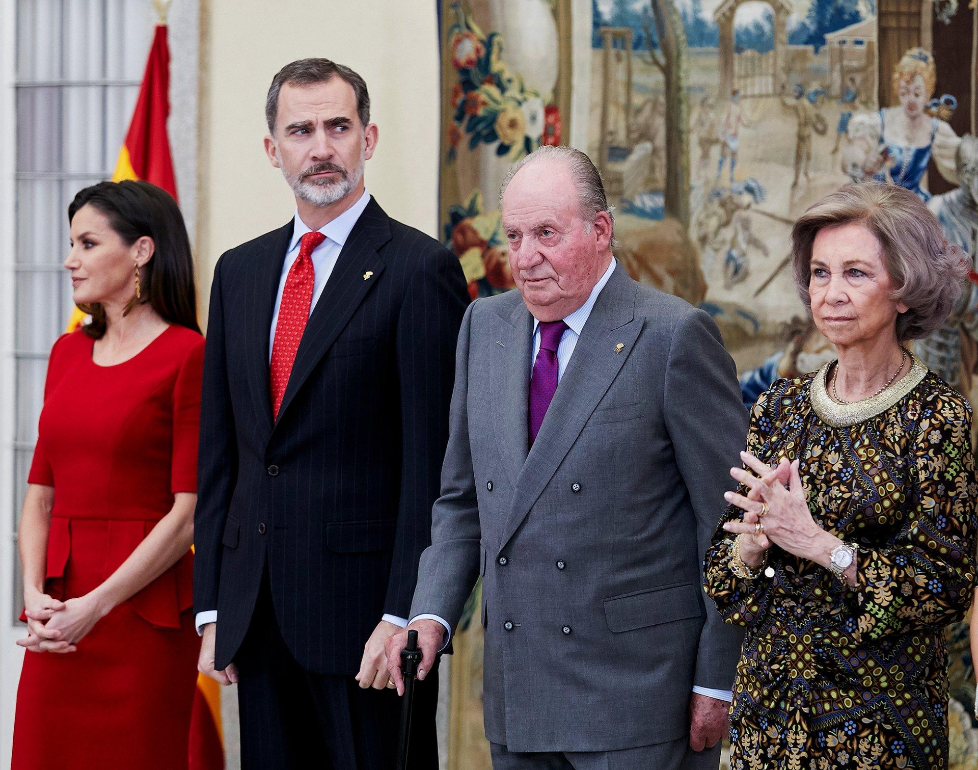 Испани улсын эзэн хаан эцгийнхээ өв хөрөнгийг залгамжлахаас татгалзлаа