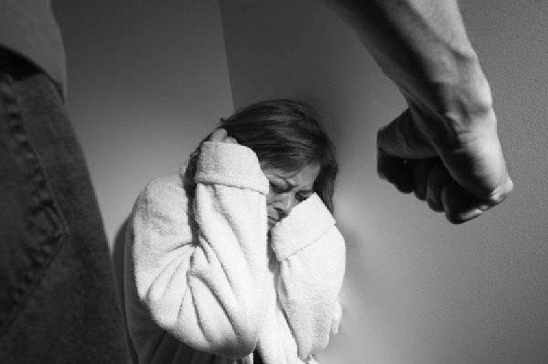 Гэр бүлийн хүчирхийлэл үйлдсэн иргэдийн 95 хувь нь согтуу байжээ