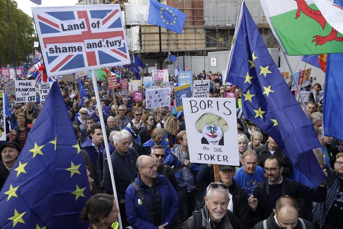 Их Британийн Ерөнхий сайд Брекситийг хойшлуулах асуудлаар Европын холбоонд хүсэлт тавьжээ