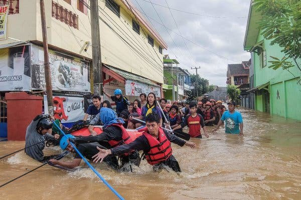 Индонез улсад нүүрлэсэн үерийн гамшгийн улмаас 30 хүн амь үрэгдлээ