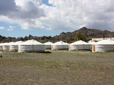 Juulchin Khanbogd ger camp near the Yolyn Am valley