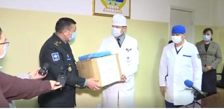 LIVE: Энхийг сахиулагчид Цэргийн төв эмнэлэгт хандив ирүүлжээ