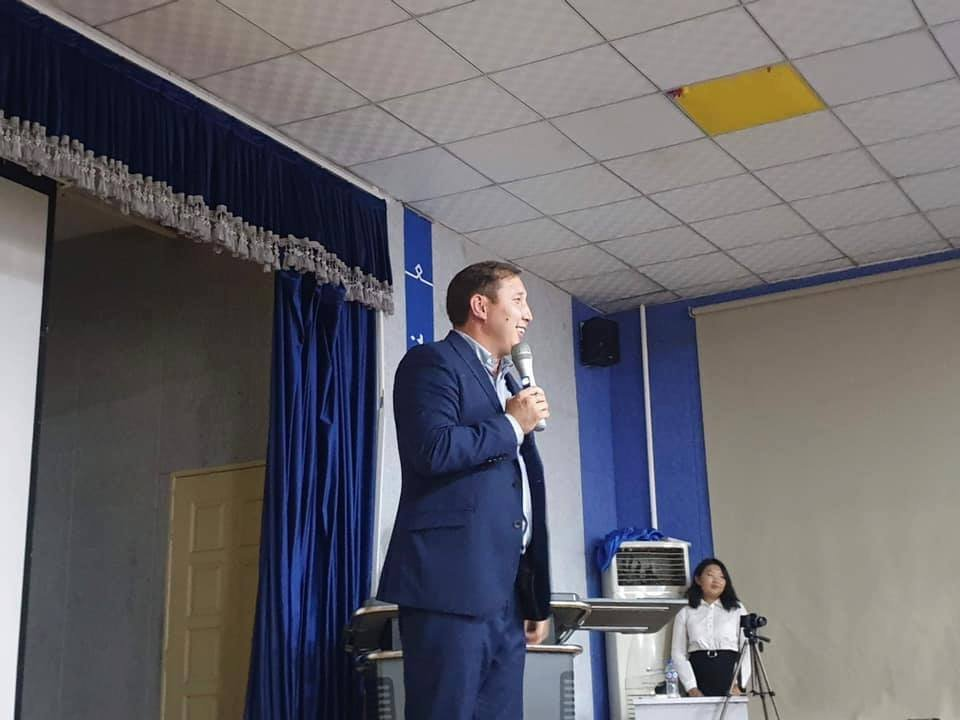 """Монголын Залуучуудын Холбооны дэргэдэх Улаанбаатар хот дахь Увс аймгийн Залуучуудын Холбооноос """"Амьдралын үнэ цэнэ"""" цуврал лекцийг зохион байгууллаа"""