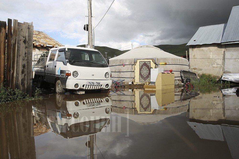 Хэнтий аймагт 160 айлын гэр, хашаа усанд автжээ