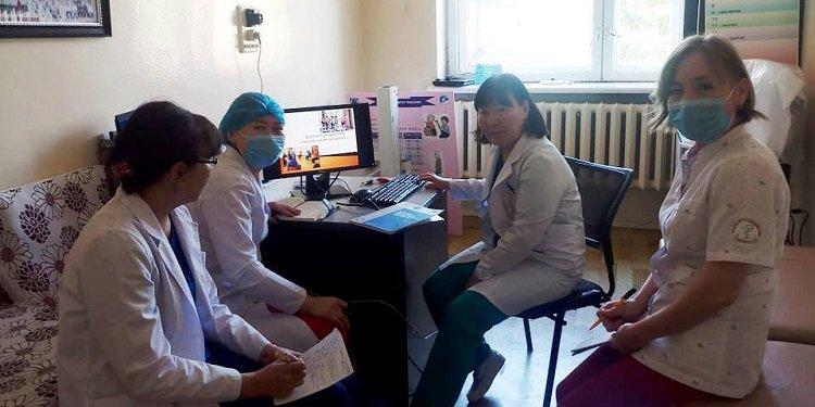 Дүүргийн эмч, сувилагч нар улсын гуравдугаар төв эмнэдэг тархины харвалт, шигдээсийн чиглэлээр суралцаж байна