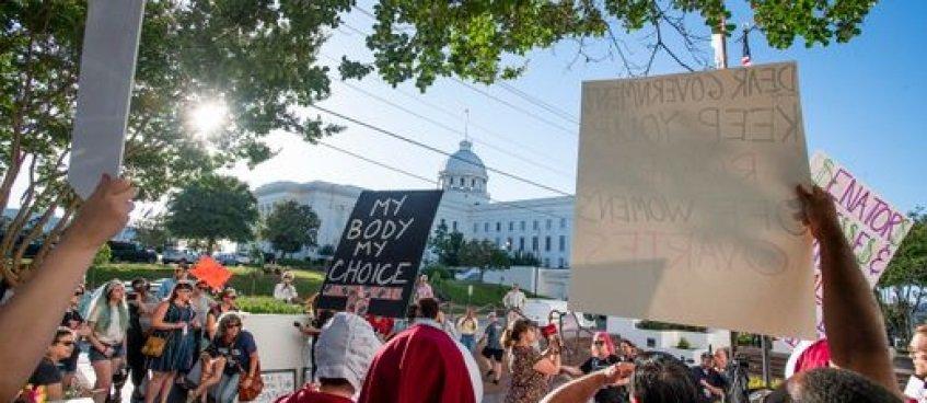 АНУ-ын Алабама муж үр хөндөлтийг бүрмөсөн хориглож магадгүй